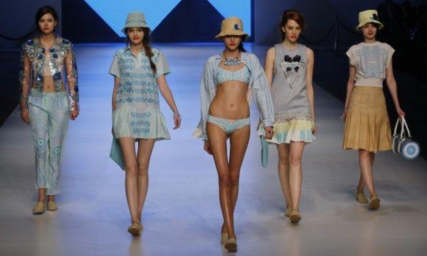 HK fashion week swimwear